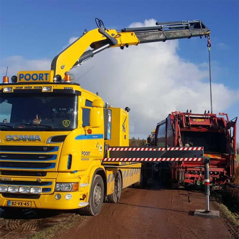 berging vrachtwagen, bergen bussen, zware berging truck groningen, Poort Hoogkerk